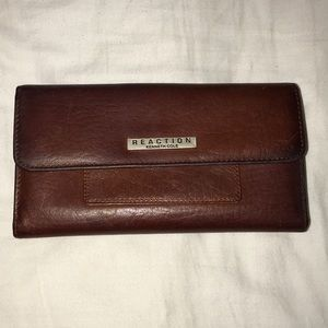 BNWOT Kenneth Cole Reaction Wallet Brown Leather